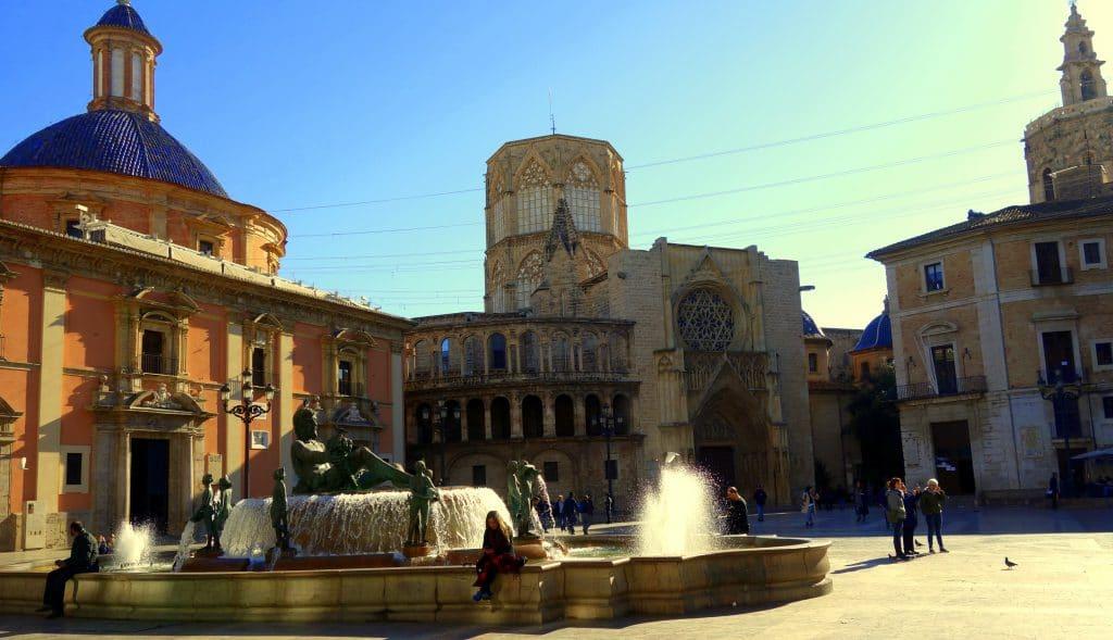 La Plaza de La Virgen valence