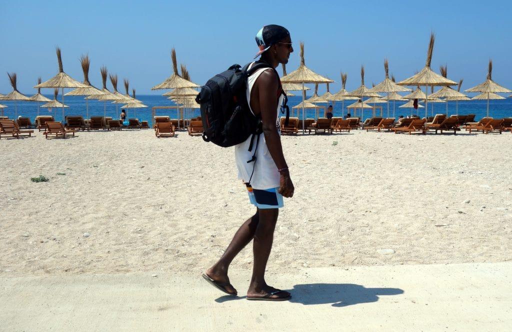 au bord de la plage albanie