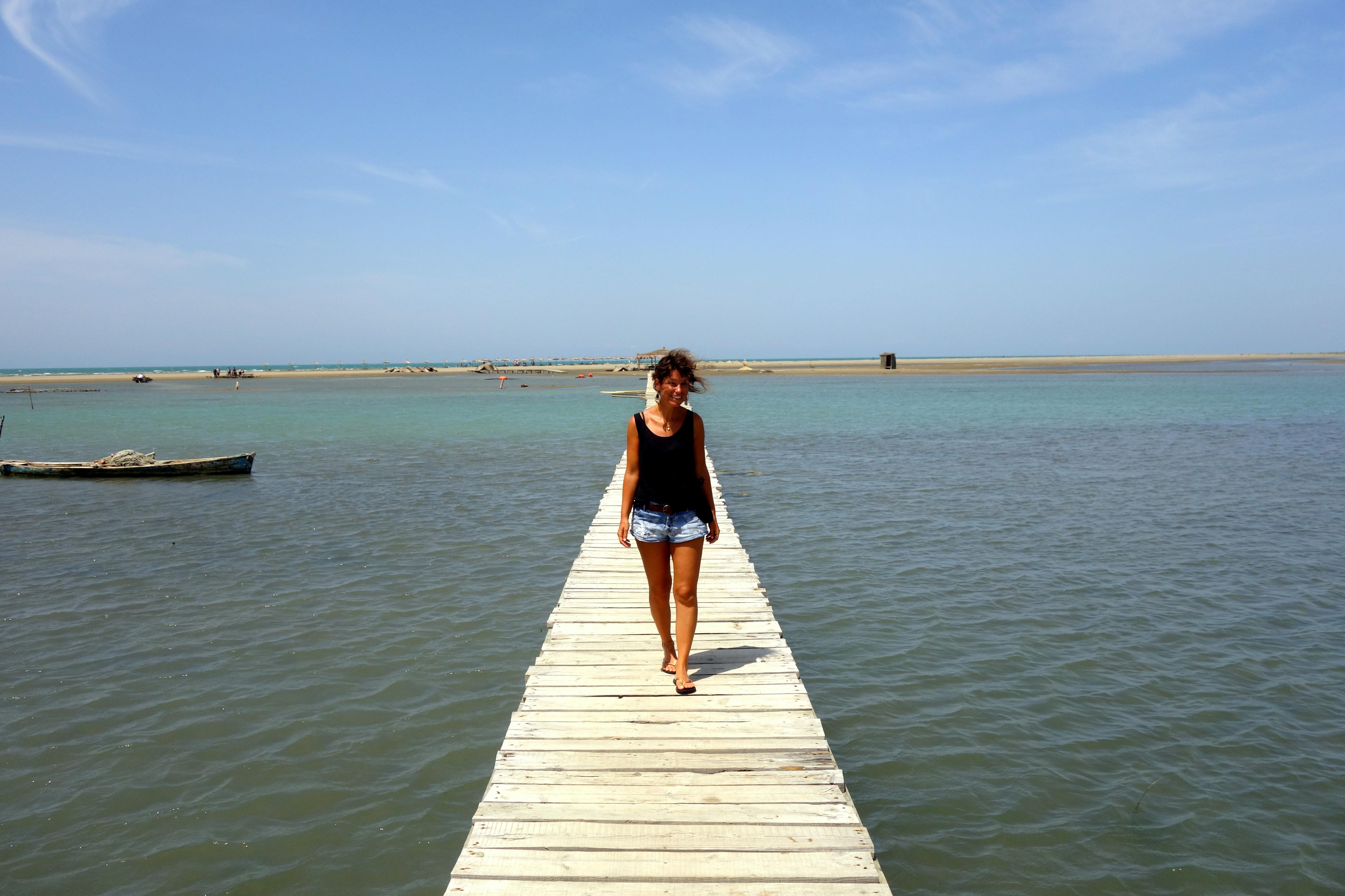 passerelle sur la lagune