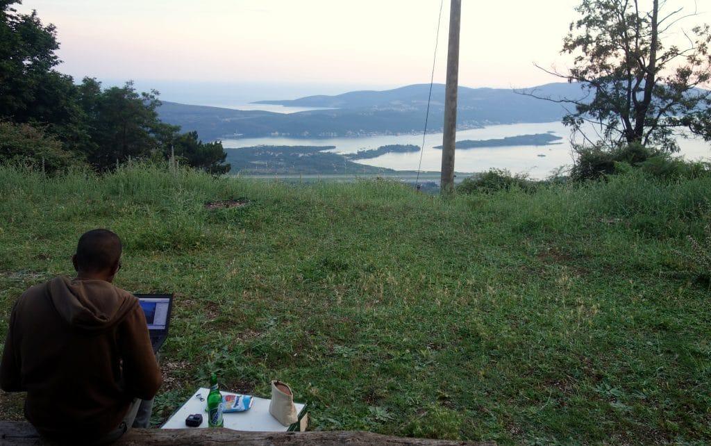 Digital Nomad avec vue sur Les Bouches de Kotor
