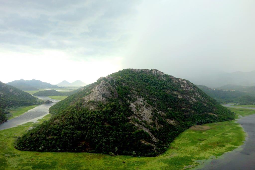 lac de skhadar