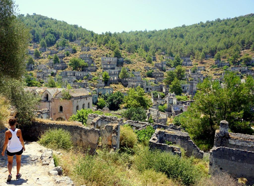 Kayakoy : village fantôme de la côte Lycienne à côté de Fethye