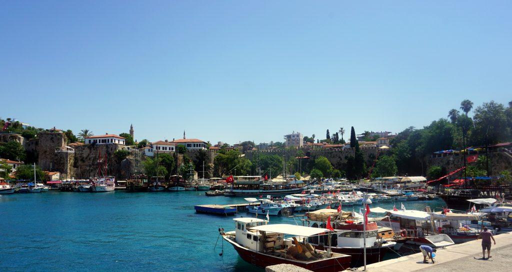 Le port et la vieille ville d'Antalya