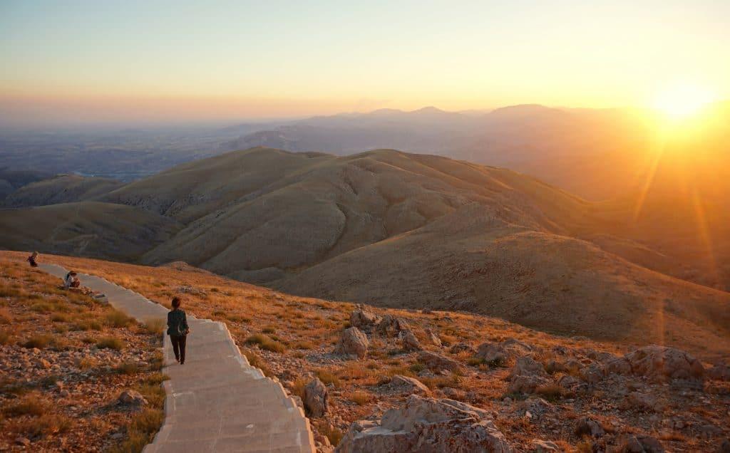 Coucher de soleil au Mont nemrut en turquie