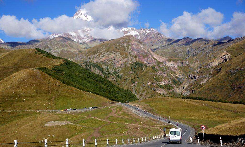 le mont kazbegi en géorgie