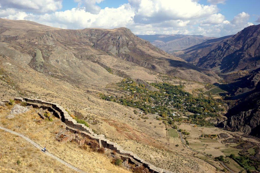arménie, vallée de yeghegis , vue depuis la forteresse smataberd