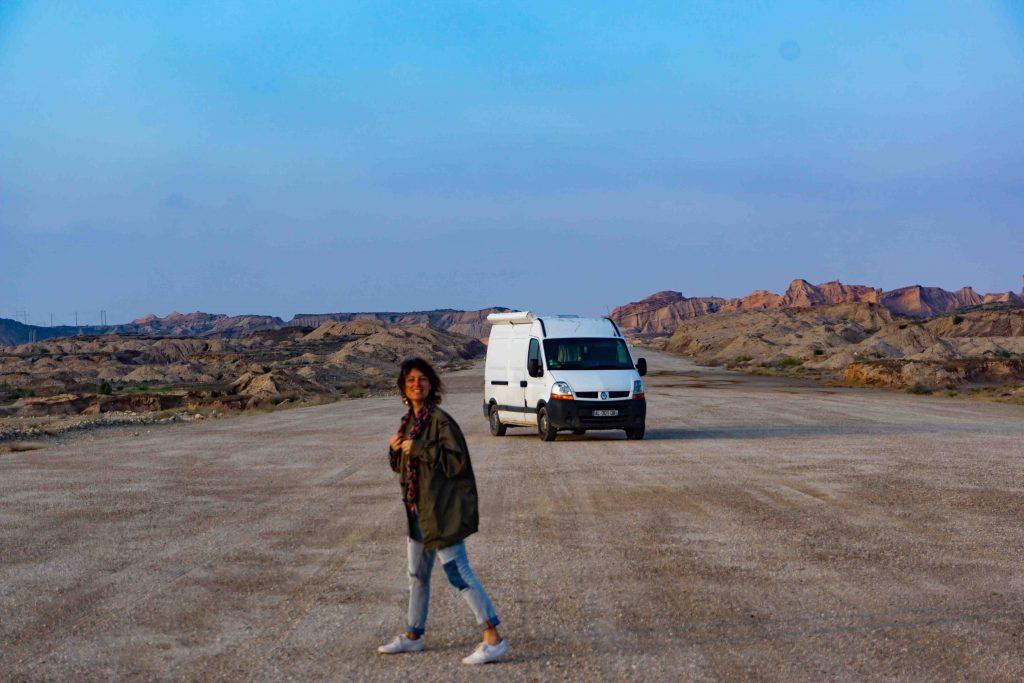 route abandonnée au milieu du canyon du golfe persique iranien
