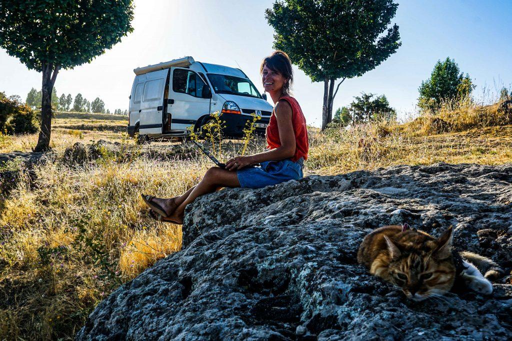 digital nomad confiné en van