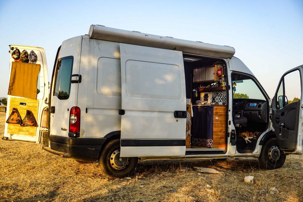 Vanlife : vie nomade avec un chat