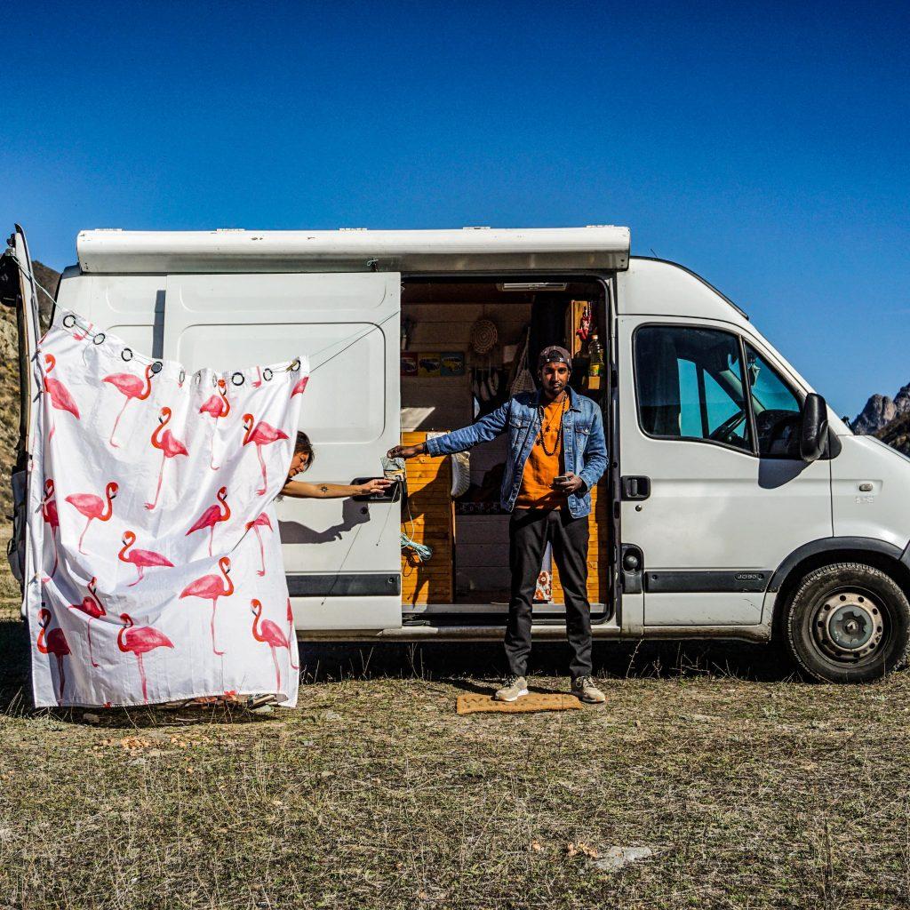 Vanlife : douche nomade sur les routes