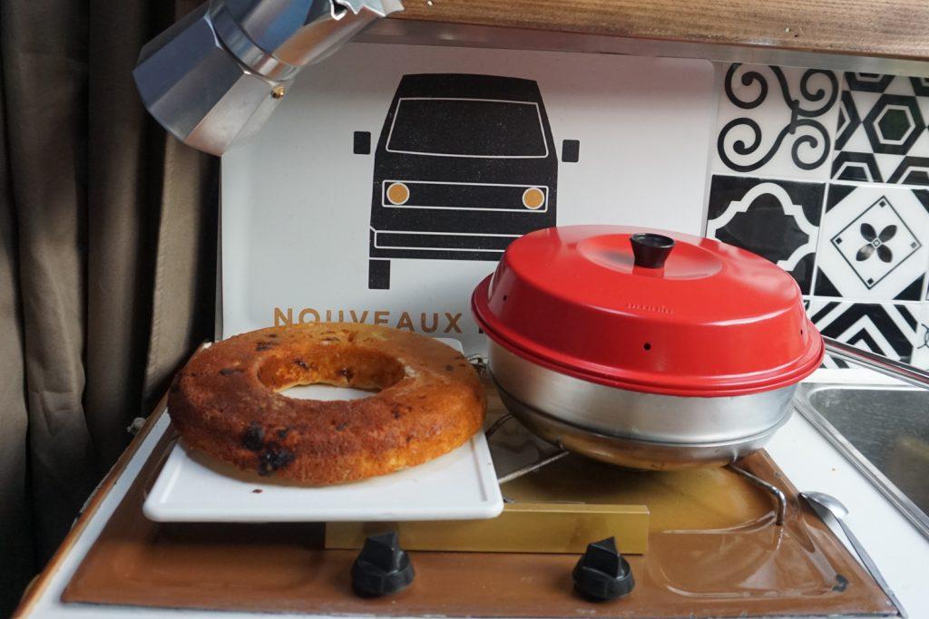 Vanlife, recette nomade : faire des gâteaux sur la route